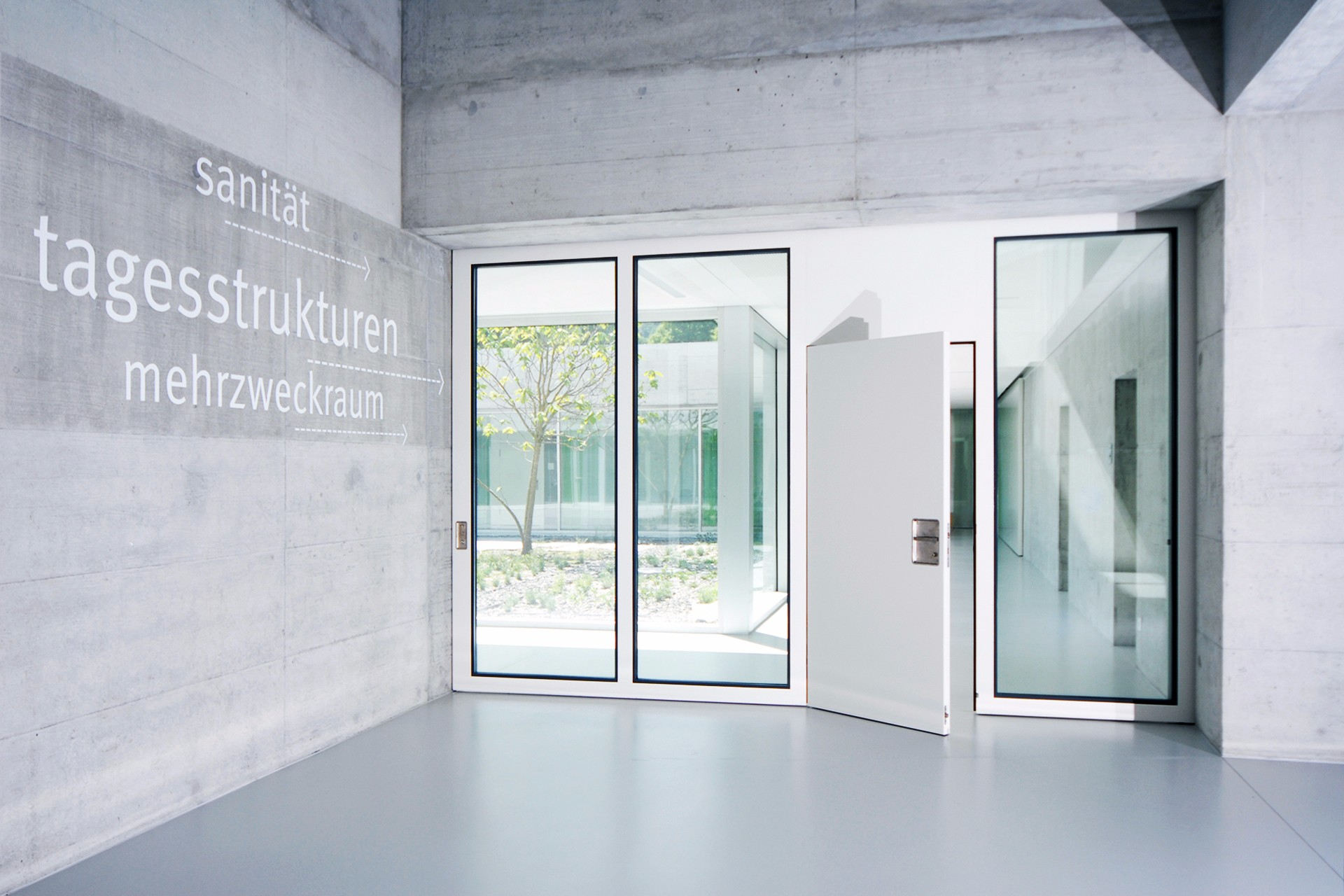 Schiebetor EI30 Glas Fluchttüre Brandschutz