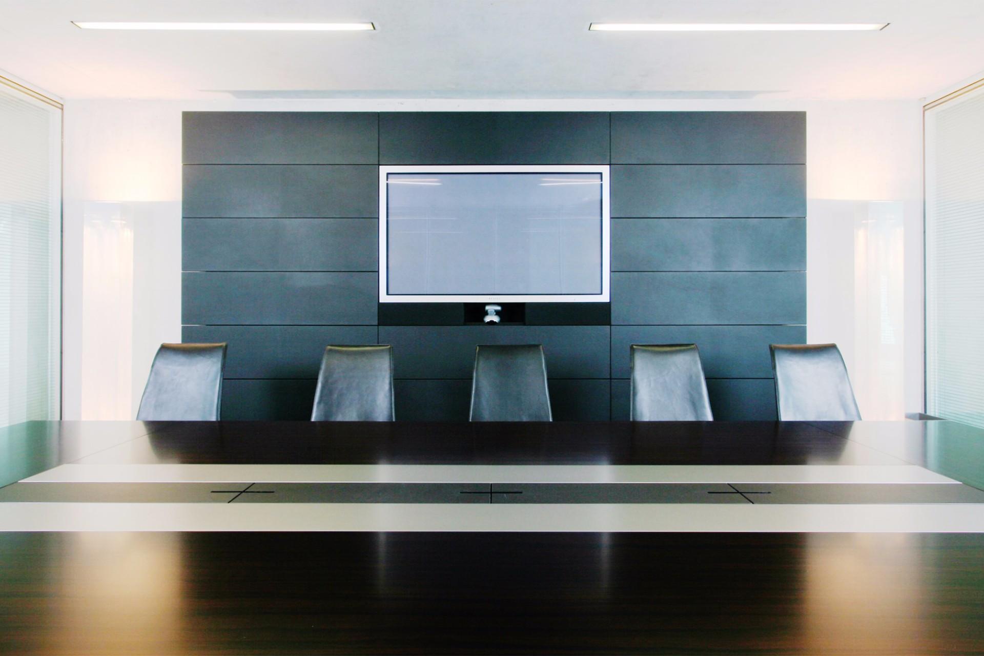 Konferenzraum Technik Lederwand Thöny Design